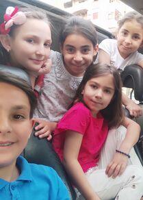 الشابة السورية آلاء الطرشة تحول منشور فيسبوك إلى مبادرة خيرية في حمص، سوريا 11 مايو 2021