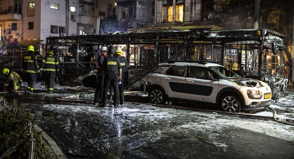 تداعيات قصف المقاومة الفلسطينية على حي حولون، مدينة تل أبيب، إسرائيل، 11-12 مايو 2021