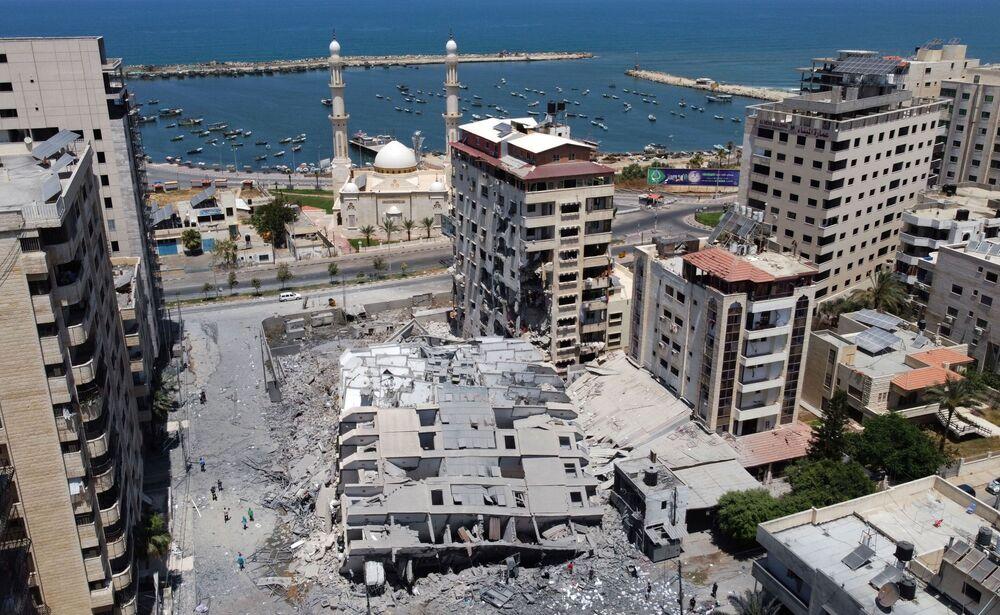 تداعيات قصف الطيران الحربي الإسرائيلي على مدينة غزة، قطاع غزة، فلسطين 11-12 مايو 2021