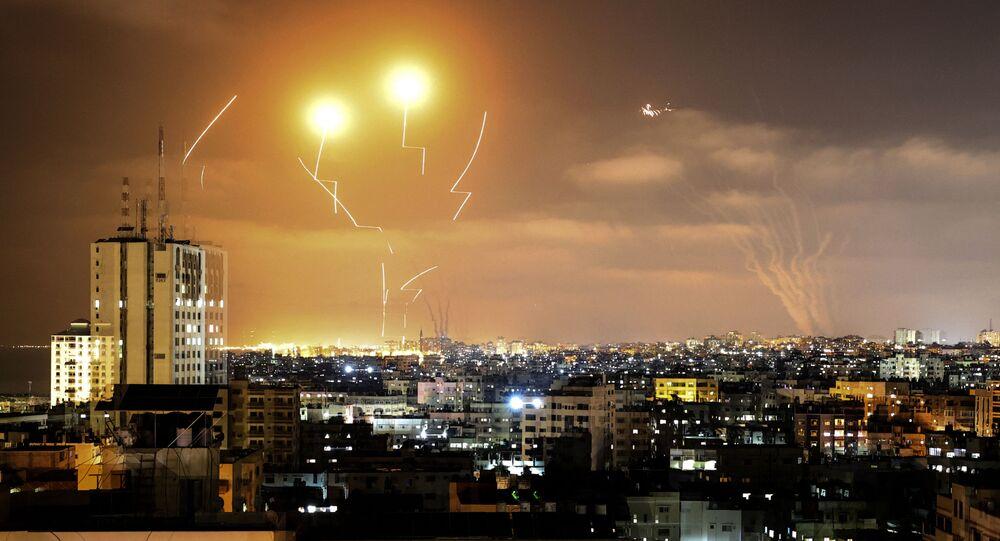 إطلاق المقاومة الفلسطينية الصواريخ من قطاع غزة باتجاه أراضي غلاف غزة، فلسطين  10مايو 2021