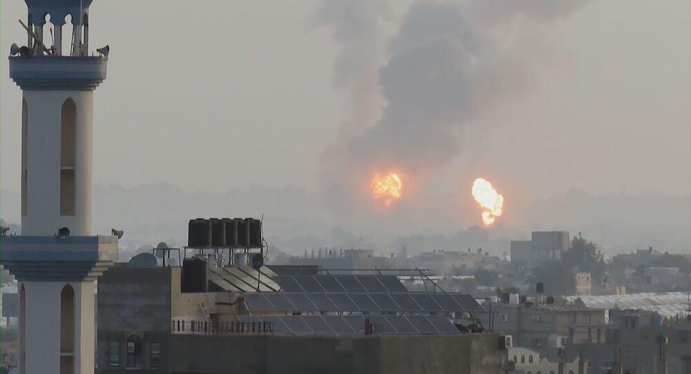 قصف الطيران الحربي الإسرائيلي على عدة مناطق في مدينة غزة، فجر 13 مايو 2021