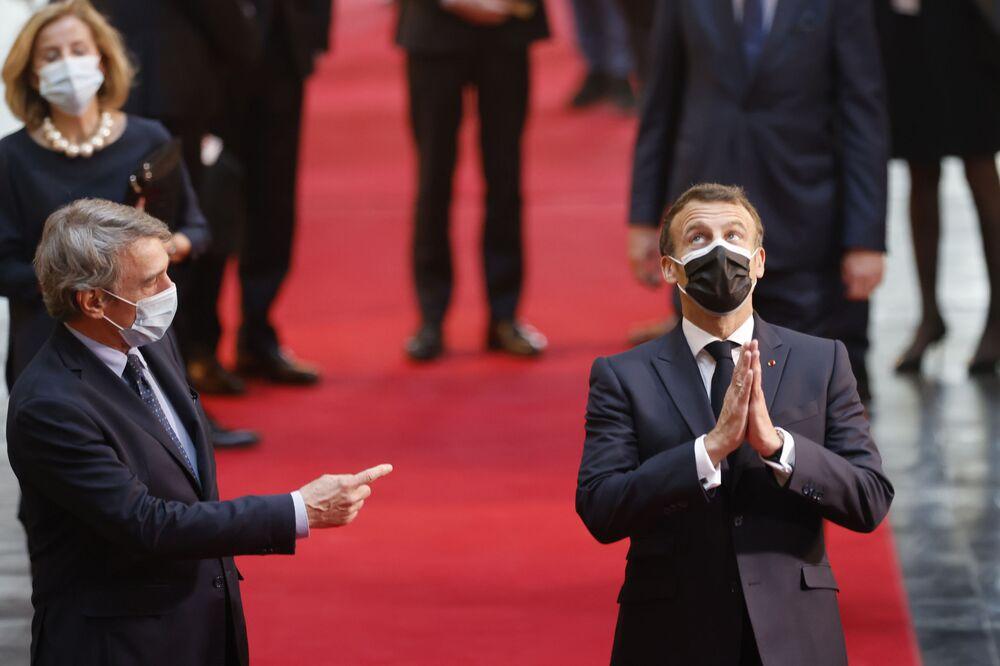 الرئيس الفرنسي إيمانويل ماكرون، ورئيس البرلمان الأوروبي ديفيد ساسولي إلى البرلمان الأوروبي في ستراسبورغ بشرق فرنسا، 9 مايو 2021 قبل إطلاق مؤتمر مستقبل أوروبا والاحتفال بيوم أوروبا.