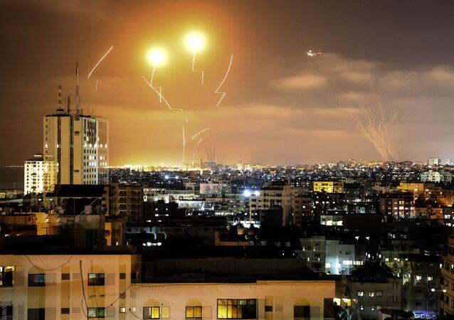 القبة الحديدية تعترض صواريخ أطلقت من غزة