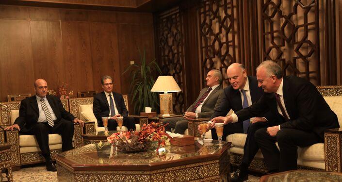 رئيس أبخازيا أصلان بزانيا في زيارته إلى دمشق