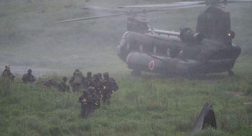 مناورات عسكرية مشتركة بين اليابان وفرنسا والولايات المتحدة في ميدان التدريبات العسكرية كيريشيما في إبينو في محافظة ميازاكي، اليابان 15 مايو 2021