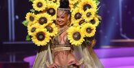ممثلة جمهورية الدومينيكان كيمبرلي جيمينيز، خلال فقرة الزي التقليدي في مسابقة ملكة جمال الكون 2021،  13 مايو 2021