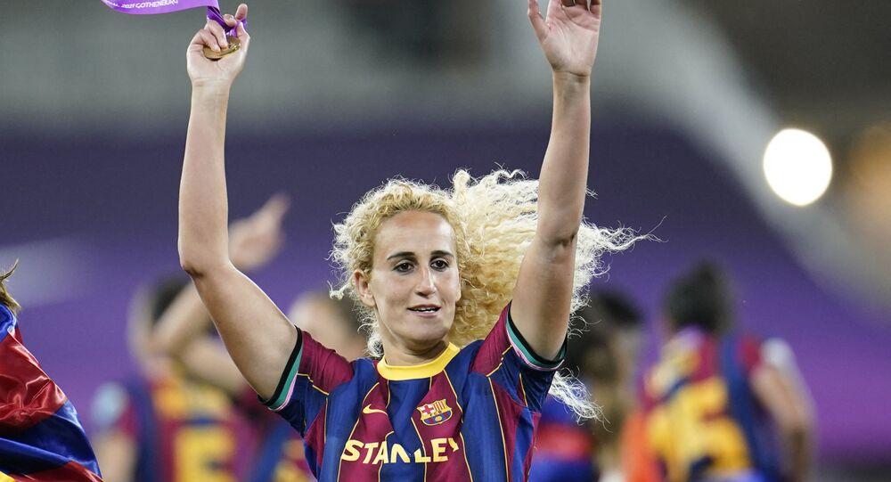 خيرة حمزاوي لاعبة نادي برشلونة من أصول جزائرية