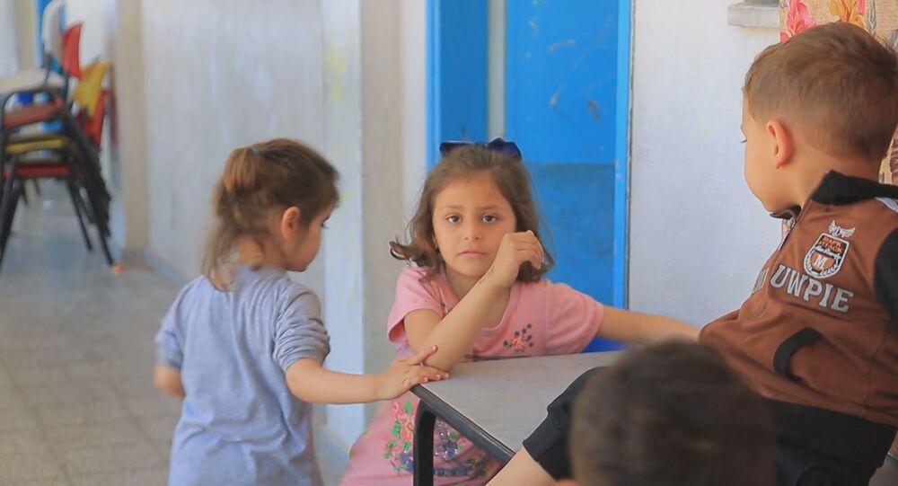 نزوح 34 ألف من أهالي قطاع غزة الى مدراس الأونروا، فلسطين 18 مايو 2021