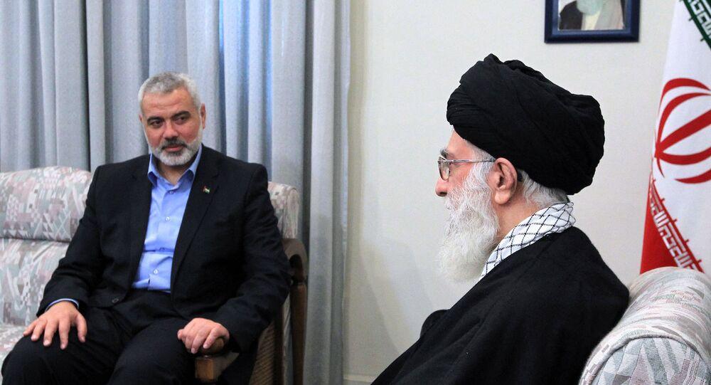 المرشد في إيران آيه الله علي خامنئي يستقبل رئيس المكتب السياسي لحركة المقاومة الإسلامية (حماس) اسماعيل هنية