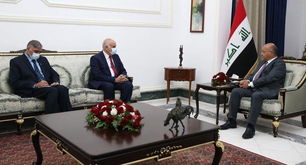 الرئيس العراقي برهام صالح يستقبل السفير الفلسطيني لدى العراق أحمد عقل