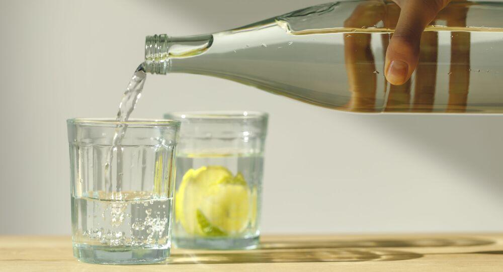 زجاجة ماء