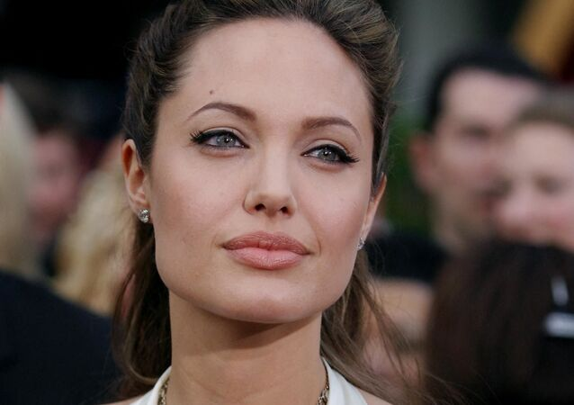 النجمة العالمية، أنجلينا جولي