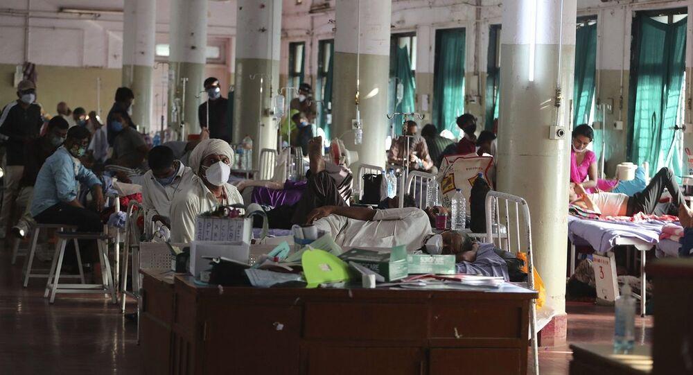 علاج مرضى مصابين بالفطر الأسود في جناح بمستشفى حكومي في أحمد آباد، الهند، الجمعة 21 مايو/ أيار 2021
