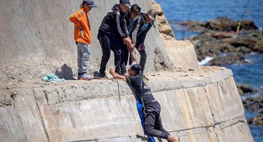 الهجرة غير الشرعية في الشواطىء الإسبانية