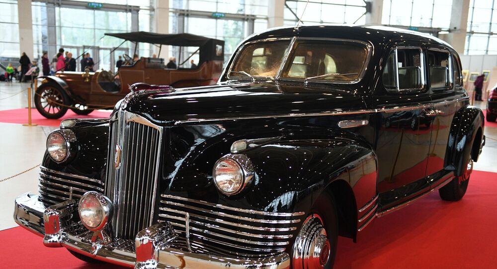 سيارة ليموزين سوفيتية زيس - 110