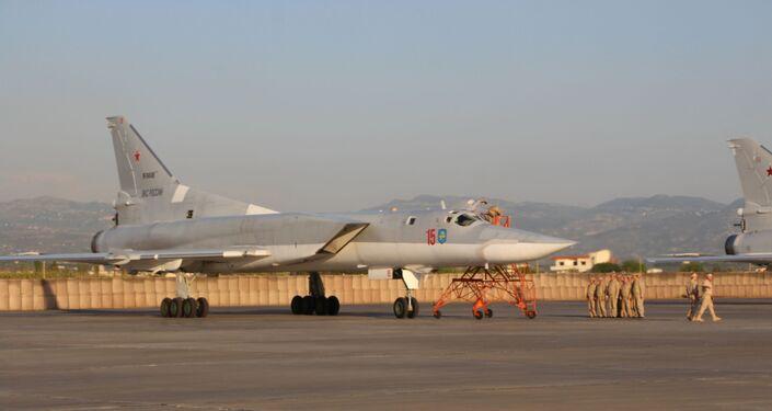 قاذفات روسية من طراز تو-22 إم 3