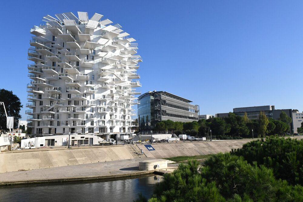 مجمع سكني وايت تري (White Tree) في مونبيلييه، فرنسا