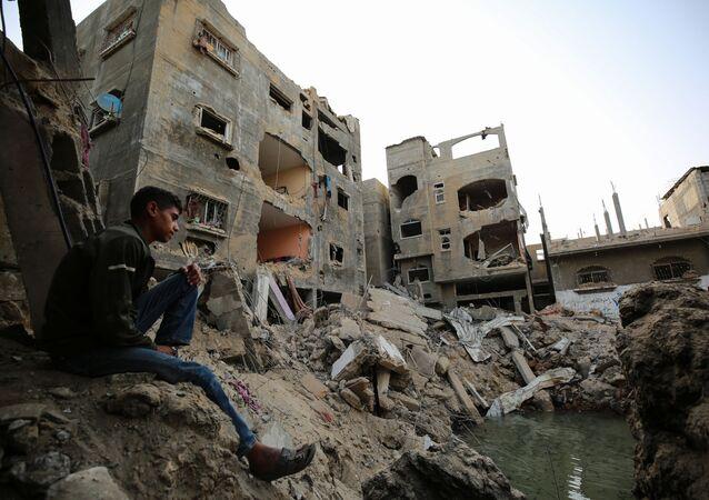الفلسطينيون يعودون إلى منازلهم  غزة