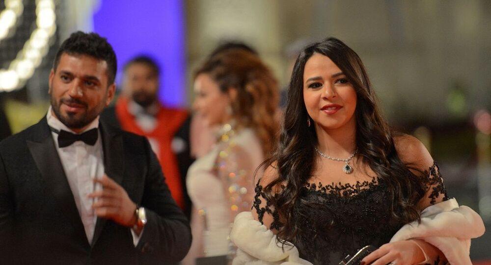 الفنانة المصرية، دنيا سمير غانم، مع زوجها الفنان، حسن الرداد