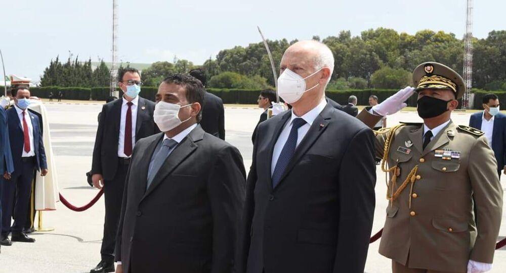 الرئيس التونسي، قيس سعيد، يستقبل رئيس المجلس الرئاسي الليبي، محمد المنفي، في تونس، 29 مايو/ أيار 2021