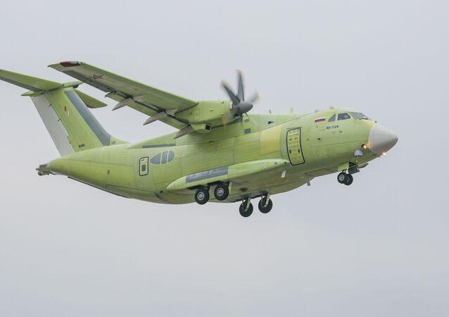 طائرة النقل العسكرية إيل-112في