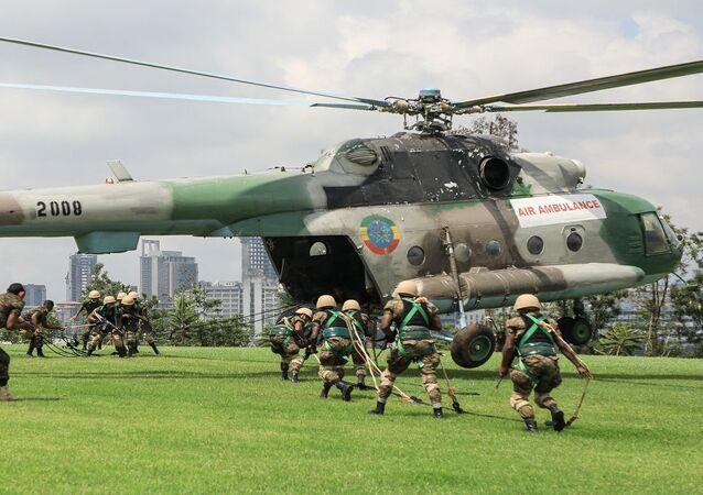 مروحية حربية تابعة للقوات الجوية الإثيوبية خلال تدريب عسكري