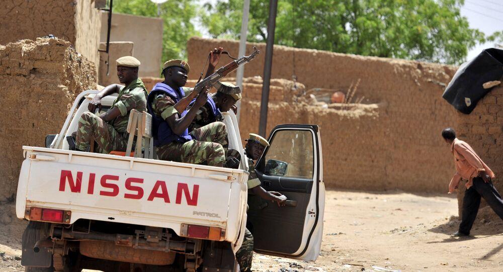 جنود من بوركينا فاسو يقومون بدورية شمال البلاد