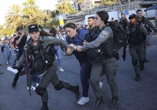مراسلة قناة الجزيرة جيفارا البديري