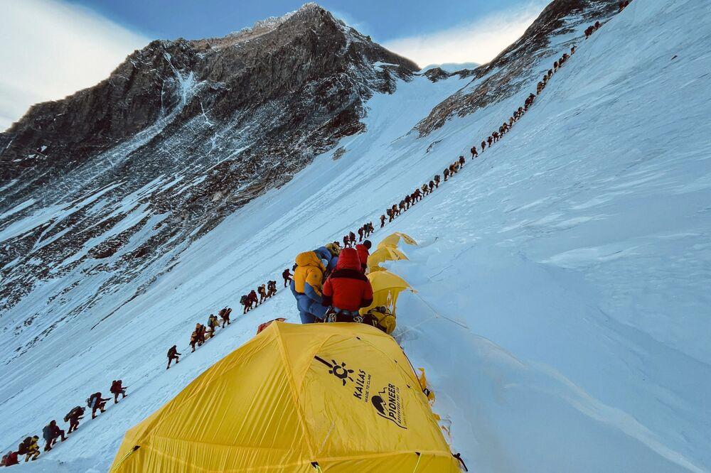 متسلقو الجبال على جبل إفرست