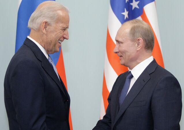 لقاء فلاديمير بوتين مع جو بايدن في موسكو