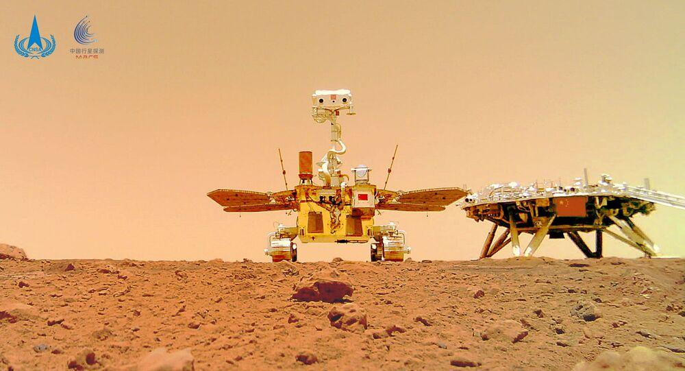 المسبار الجوال الصيني زورونغ على كوكب المريخ