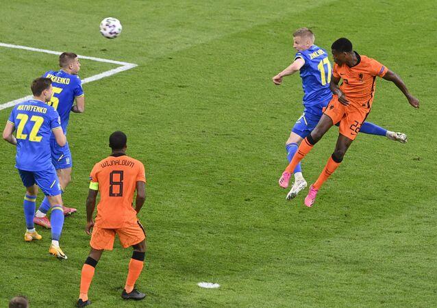 فوز هولندا على أوكرانيا