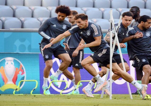 لاعبو المنتخب الألماني خلال التدريبات قبل يوم من مباراته مع منتخب فرنسا في بطولة الأمم الأوروبية 2020