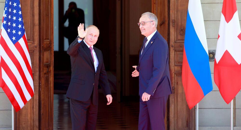 وصول  فلاديمير بوتين إلى فيلا لا غرانج في جنيف