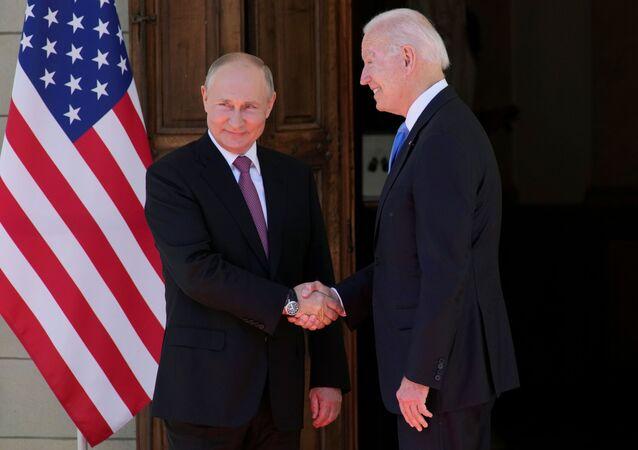 فلاديمير بوتين و جو بايدن في جنيف