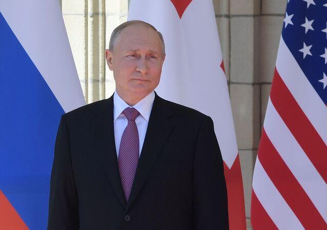 بوتين خلال لقاء مع بايدن في جينيف