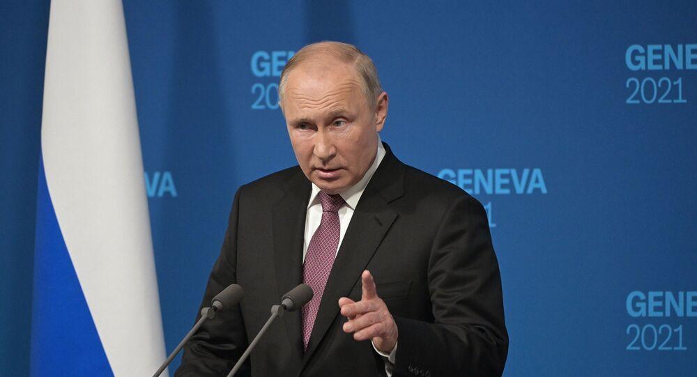 فلاديمير بوتين خلال الملتقى الصحفي بعد قمة جنيف