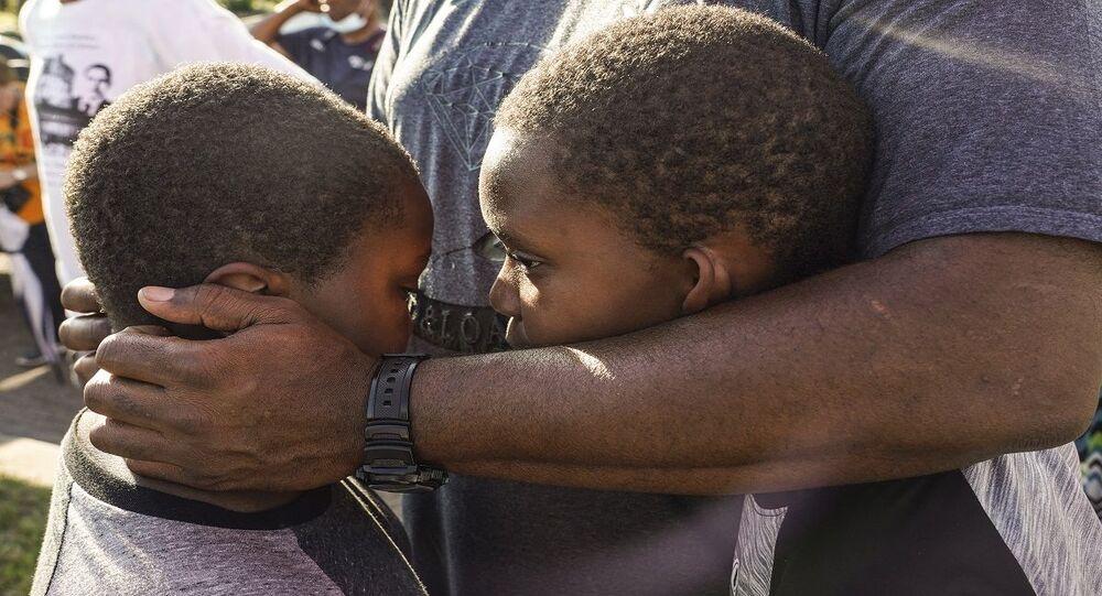 الاحتفال بعيد الأب مناسبة عالمية للتأكيد على دوره في رعاية الأبناء