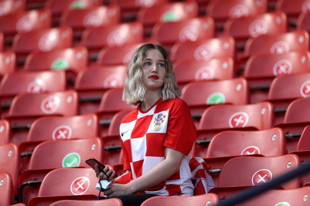 مشجعة المنتخب الكرواتي