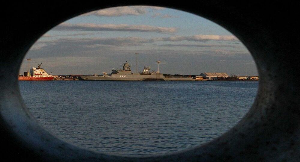 المدمرة البريطانية إتش إم إس ديفيندر من فئة تايب 45