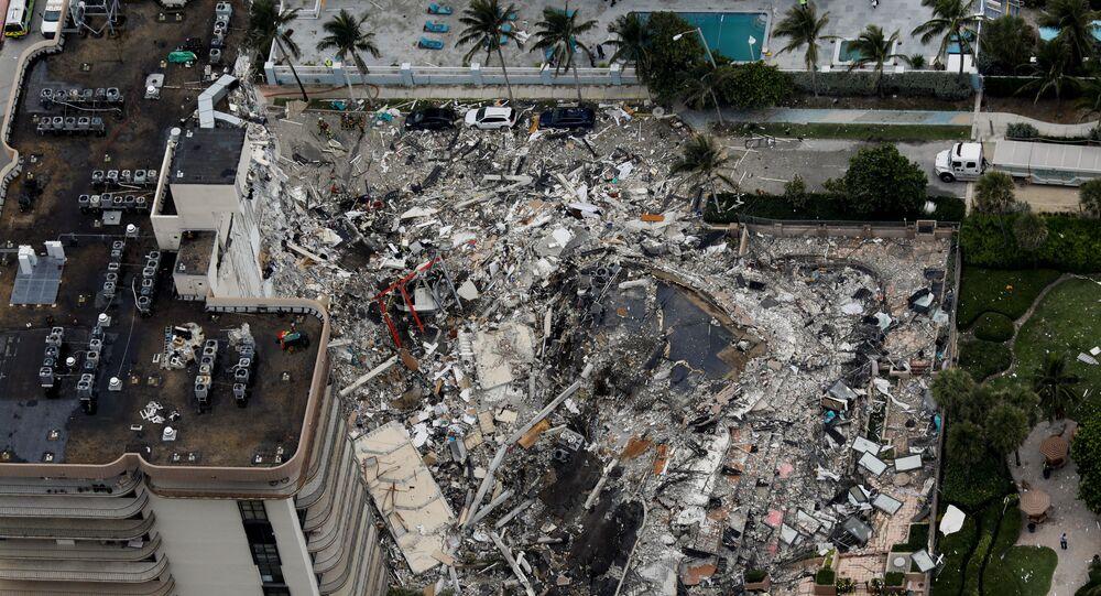 انهيار مبنى سكني في مدينة ميامي الأمريكية