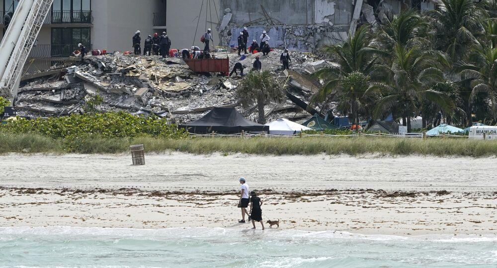 عمليات إنقاذ في مدينة ميمامي