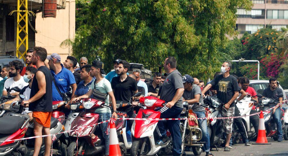 أزمة بنزين في لبنان