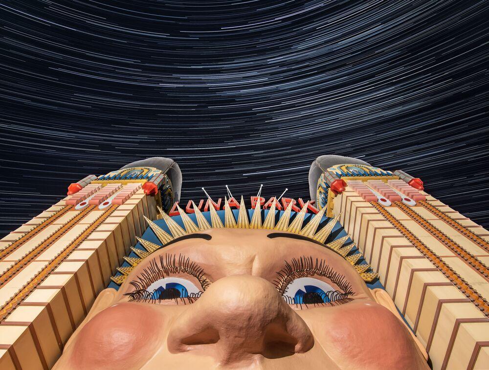 صورة بعنوان لونا بارك، للمصور الأسترالي إد هارست، يدخل ضمن القائمة القصيرة لمسابقة التصوير الدولية مصور المرصد الملكي الفلكي للعام