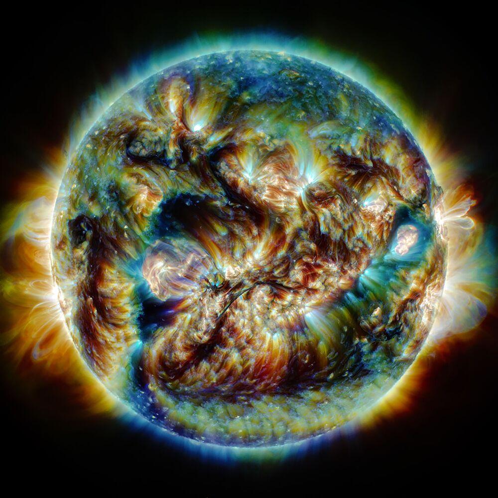 صورة بعنوان اضطرابات الشمس، للمصور الإيراني حسن خاتمي، يدخل ضمن القائمة القصيرة لمسابقة التصوير الدولية مصور المرصد الملكي الفلكي للعام