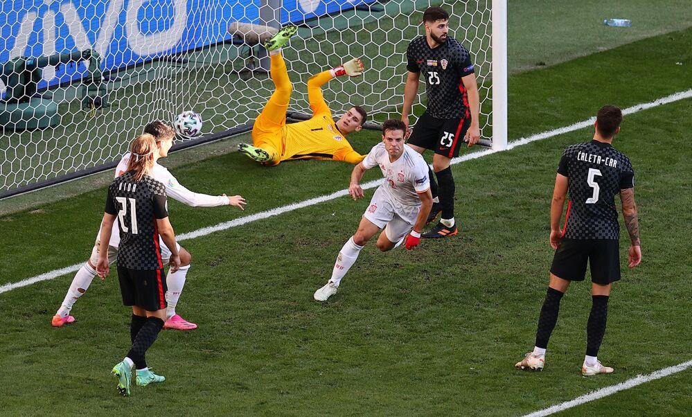 مباراة دور الـ 16 من بطولة يورو 2020 - فوز منختب إسبانيا على كرواتيا في ملعب باركن في كوبنهاغن، الدنمارك 28 يونيو 2021