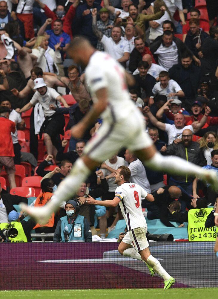 مباراة دور الـ 16 من بطولة يورو 2020 - كابتن المنتخب الإنجليزي هاري كين بعد تسجيله هدفا في مرمى المنتخب الألماني في ملعب ويمبلي، إنجلترا 29 يونيو 2021