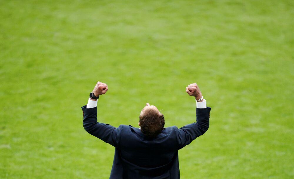 مباراة دور الـ 16 من بطولة يورو 2020 - مدرب المنتخب الإنجليزي غاريث ساوثغيت يفرح بفوز منتخبه على نظيره الألماني في ملعب ويمبلي في لندن، بريطانيا 29 يونيو 2021