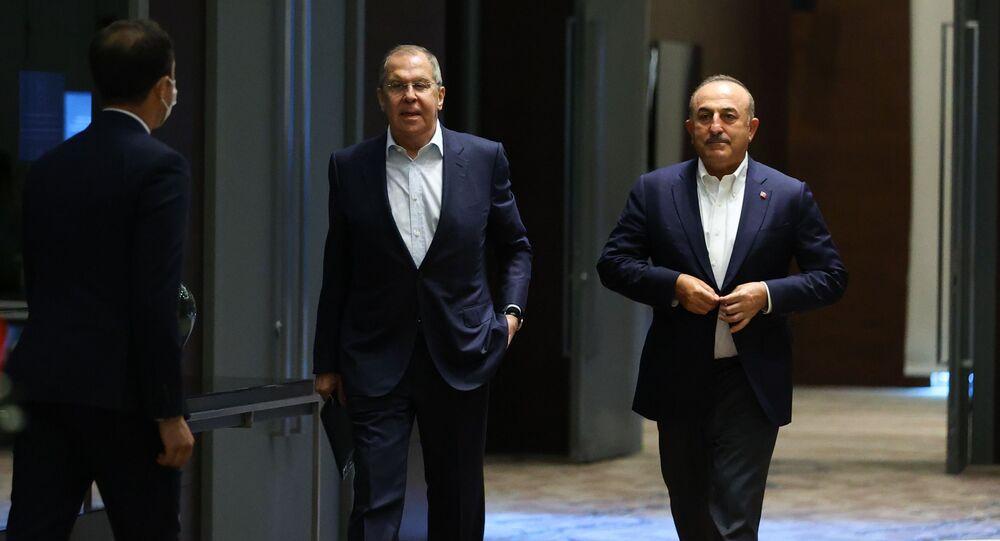 لقاء وزير الخارجية الروسي سيرغي لافروف بنظيره التركي تشاووش أوغلو