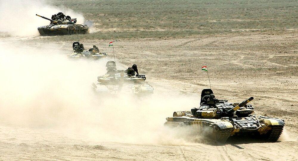 دبابات تابعة لجيش طاجيكستان
